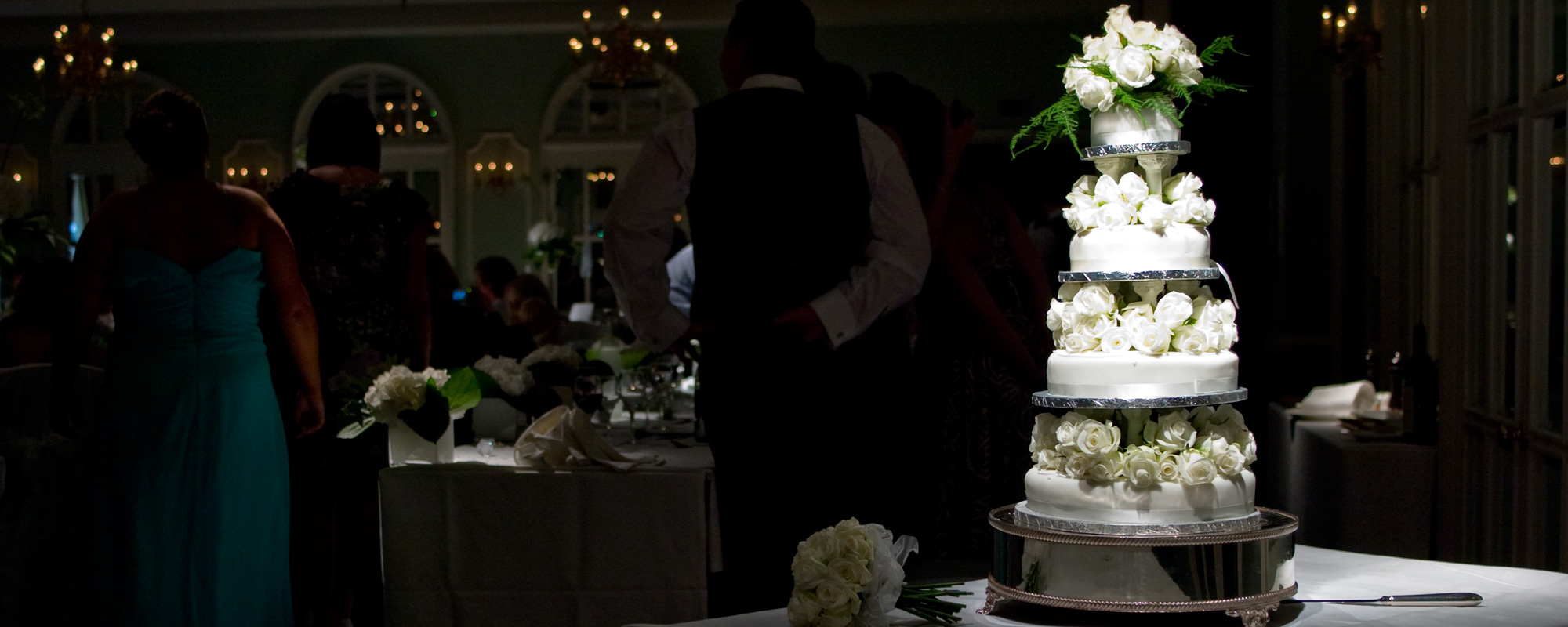 The perfect (but cheap) Marks and Spencers wedding cake
